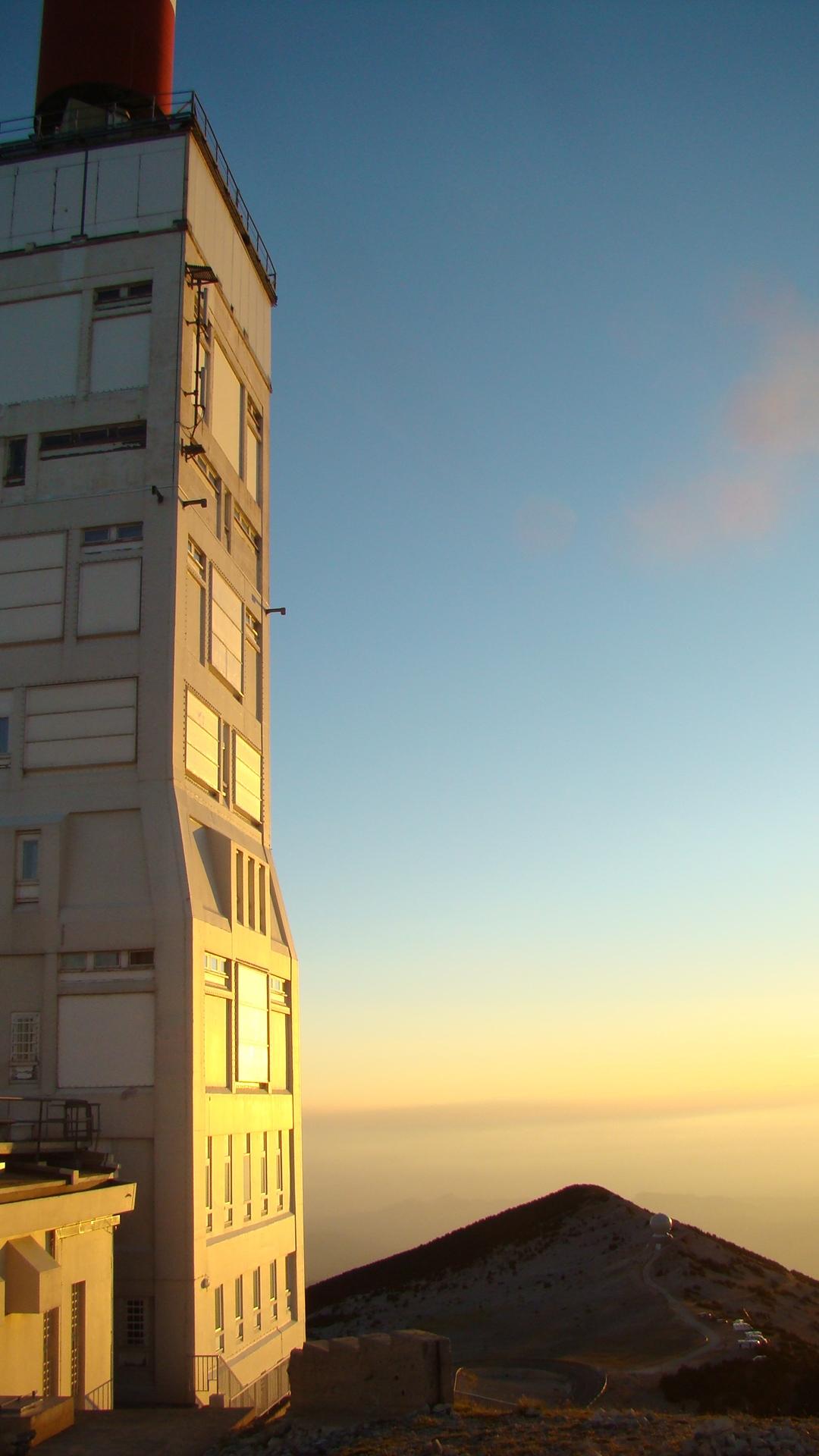 Coucher de soleil au sommet